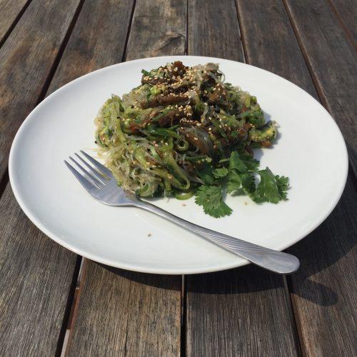 Gurken-Avocado-Algen-Salat